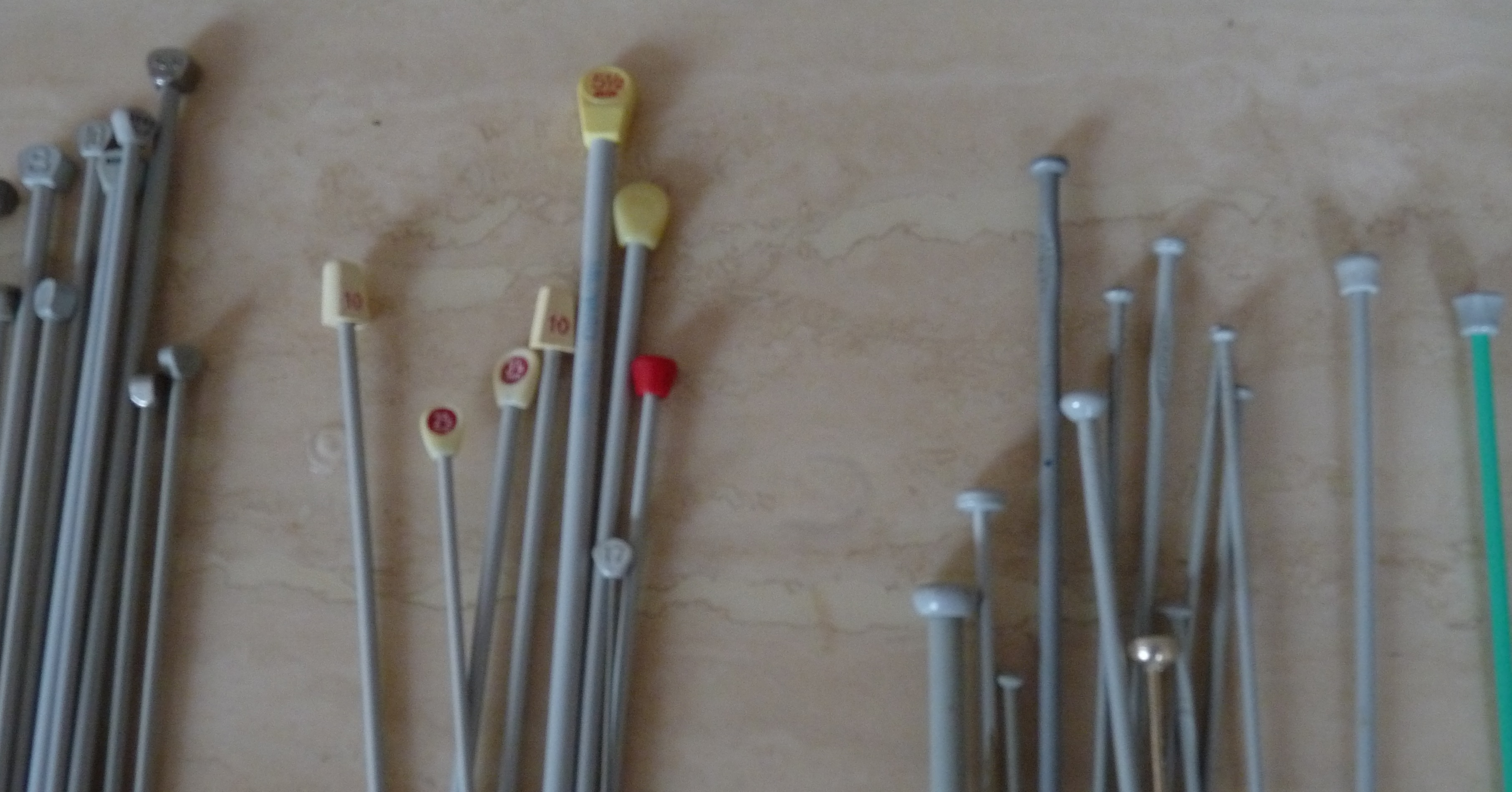 Knitting Needle Sizes Chart Uk : How to buy and sort second hand knitting needles sewn at home